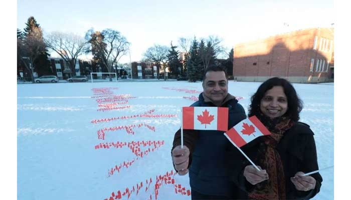 ادمونتون؛ شیوه ابتکاری زوج مهاجر کانادائی برای تبریک سال نو