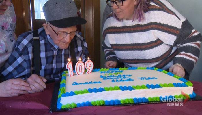 نیوبرانزویک؛ پیرترین مرد کانادا تولد ۱۰۹ سالگی خود را جشن گرفت