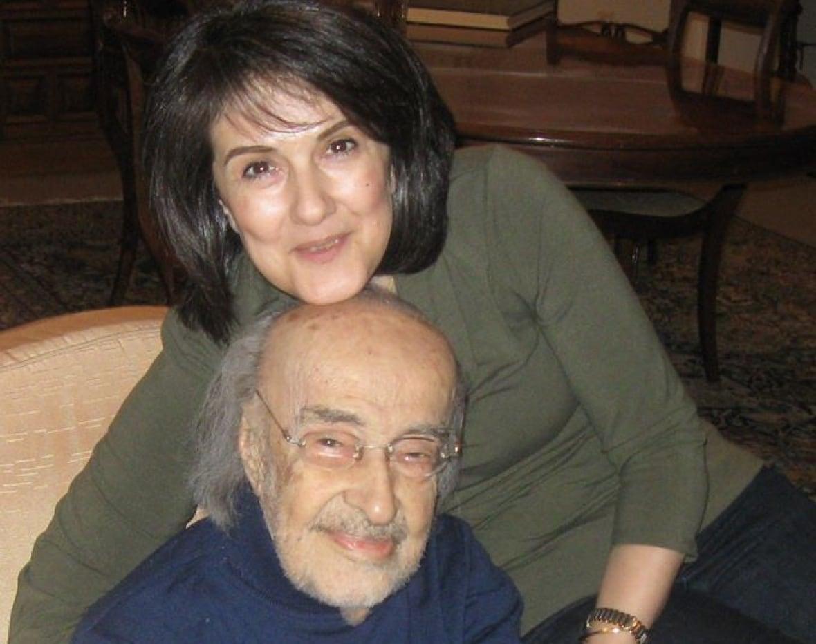 نیلوفر صدر هنرمندی از خانواده سیاست