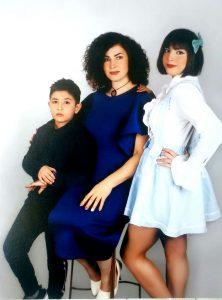 فائزه فلسفی و دو فرزندش، مشاور املاک ساکن تورنتو