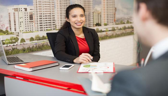 قبل از اینکه مشاور مسکن خود را انتخاب کنید، این ۶ سوالی است که باید از او بپرسید