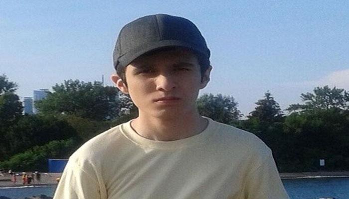 سیفالله خسروی ۱۵ ساله مقابل مدرسهاش در تورنتو هدف گلوله قرار گرفت و جان سپرد