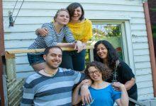 Photo of این شش نفر با هم یک خانه خریدند تجربهای که آیا به درد شما هم میخورد؟