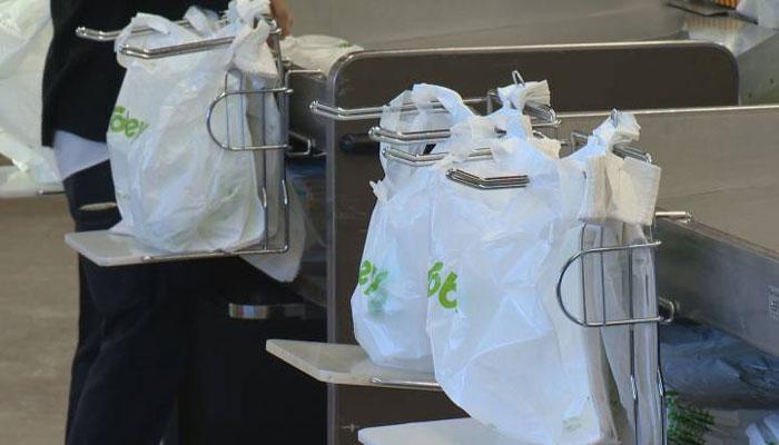 سوبیز؛ خداحافظی با کیسههای پلاستیکی در تمام ۲۵۵ فروشگاه از آخر ژانویه