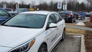 پارکبان متخلف به خاطر پارک کردن در پارکینگ معلولان، برکنار شد