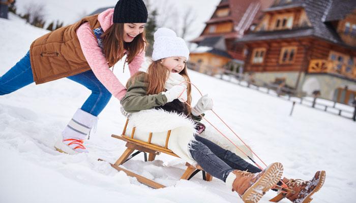 ۱۰ روش هیجانانگیز برای خوشگذرانی برفی در زمستانهای تورنتو
