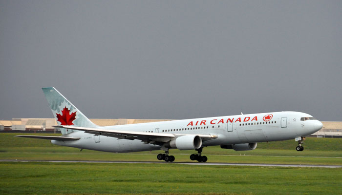 فرود اضطراری هواپیمای عازم تورنتو در مادرید