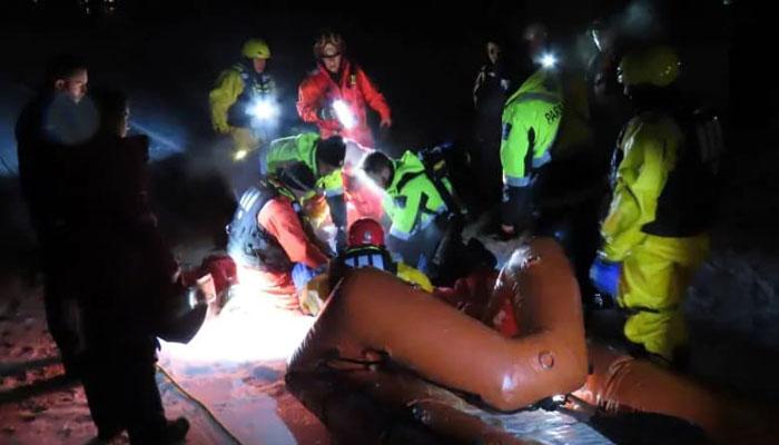 مونترال، شش سرنشین اسنوموبیل از دریاچه پر از یخ نجات یافتند