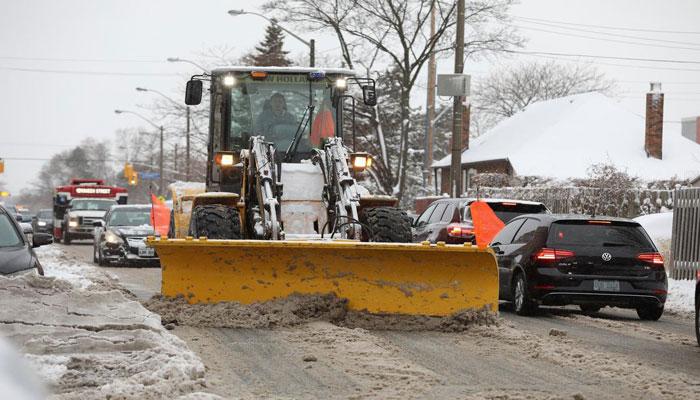 هر بار که در تورنتو برف میبارد، ۱۴ هزار کیلومتر باید برفروبی شود