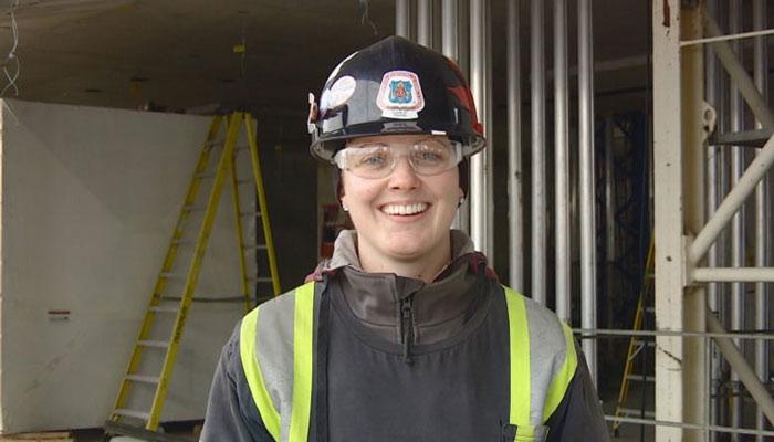 کانادا به نیروی کار در صنعت ساختمان نیاز دارد؛ این دورهها شما را وارد این بازار میکند