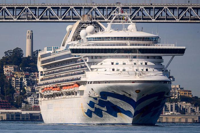 آژانس سلامت عمومی کانادا: از سفر با کشتیهای کروز اجتناب کنید