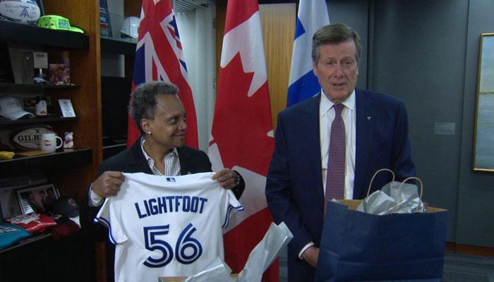 جان توری با شهردار شیکاگو در تالار شهر تورنتو دیدار کرد