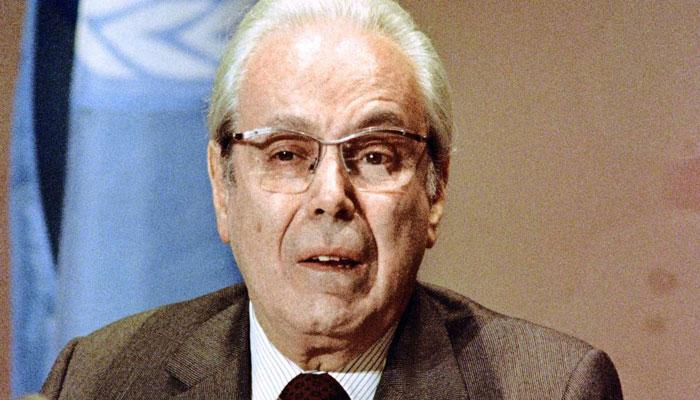 خاویر پرز دکوئیار دبیر کل سازمان ملل در زمان جنگ ایران و عراق درگذشت