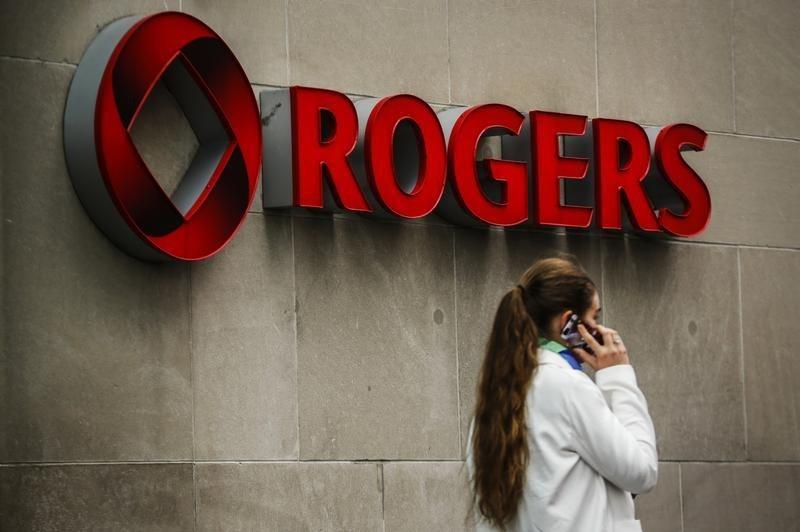 شرکتهای مخابراتی کانادا باید تا دو سال آینده تعرفههای خود را کاهش دهند
