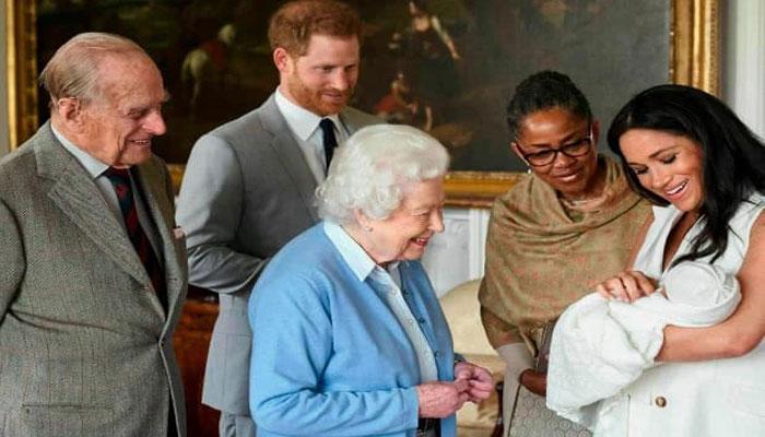 ملکه الیزابت از اینکه مگان پسرش را با خود به انگلیس نمیبرد ناراحت است