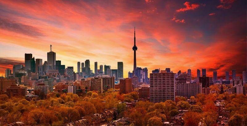 بهار که رسید، با ۲۹۰ دلار مسیر رفت و برگشت ونکوور به تورنتو را پرواز کنید
