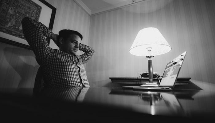 ۹ راه حل برای اینکه خیلی راحت حرفه و بیزینس خود را نابود کنید