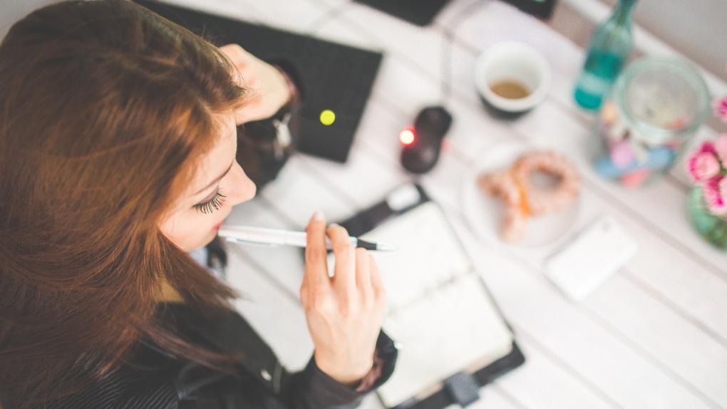 مردان در کانادا ۲۴ درصد بیشتر از زنان حقوق میگیرند