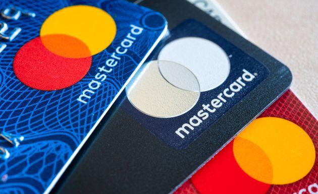 شش بانک بزرگ کانادا نرخ بهره کردیت کارتها را کاهش میدهند