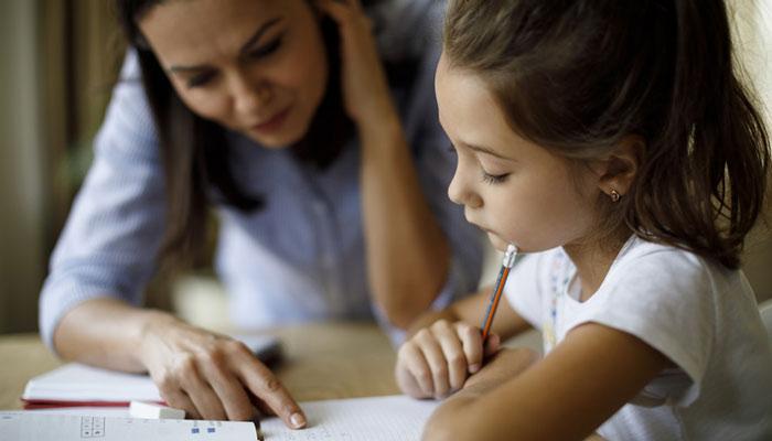 دولت انتاریو برای هر فرزند زیر ۱۲ سال ۲۰۰ دلار کمک مالی میکند