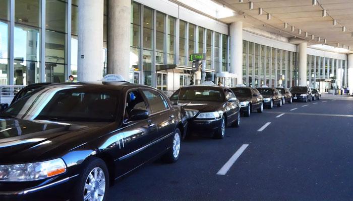 ۴ راننده تاکسی فرودگاه تورنتو تاکنون بر اثر ابتلا به کرونا جان باختهاند