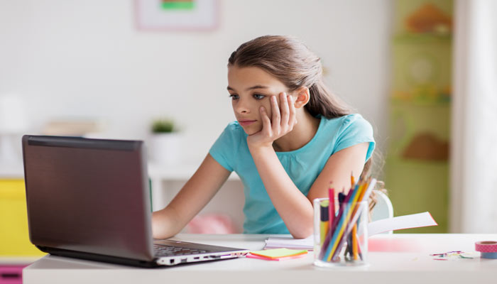 Photo of مدارس تا ماه می تعطیل است؛ جزئیات برنامه آموزش آنلاین دانشآموزان در خانه