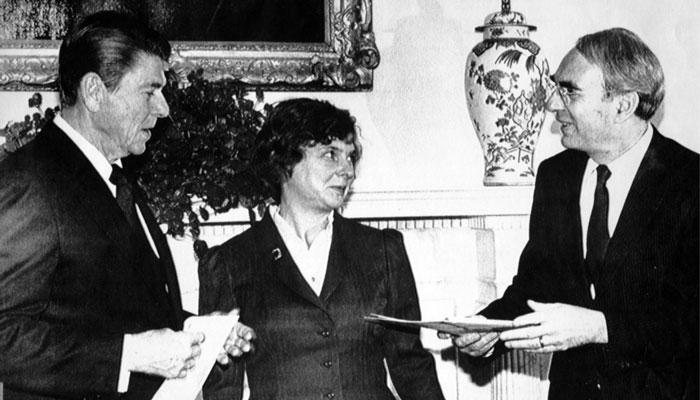 سفیر کانادا در آمریکا در زمان ریگان در سن ۹۲ سالگی درگذشت