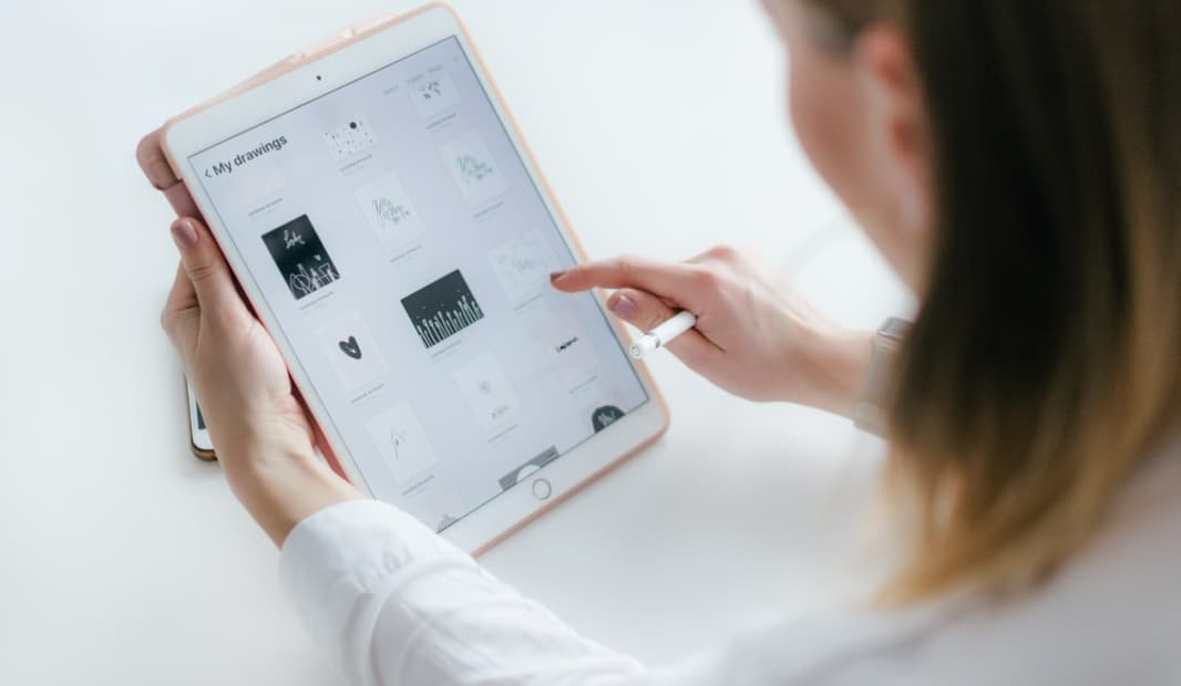 اپل با دولت انتاریو برای تهیه ۲۱ هزار آیپد همکاری میکند