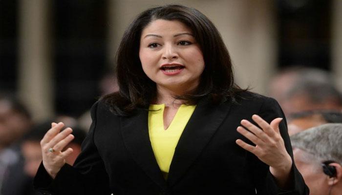 Photo of مریم منصف وزیر زنان کانادا: کرونا خشونتهای خانگی را افزایش داده است