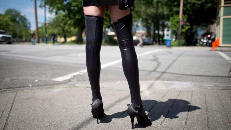 کارگران جنسی از حمایتهای کانادا در برابر کرونا بدون بهره ماندهاند