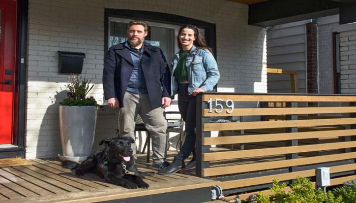 خانهمان را در اوج کرونا ۱۰۰ هزار دلار بالای قیمت خریدیم و باز هم برنده بودیم
