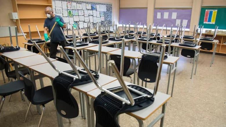 یک معلم در بریتیش کلمبیا که دانشآموز ایرانی را تهدید کرده بود سه روز از تدریس محروم شد