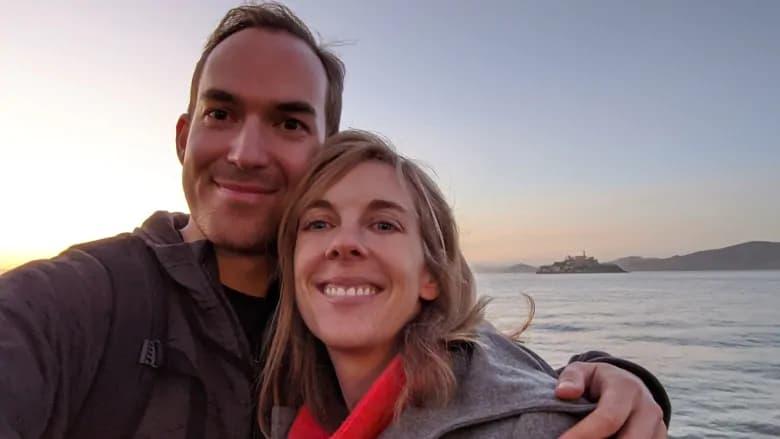 خانم باردار اهل اتاوا در نیویورک است و نمیتواند به کشور خود بازگردد