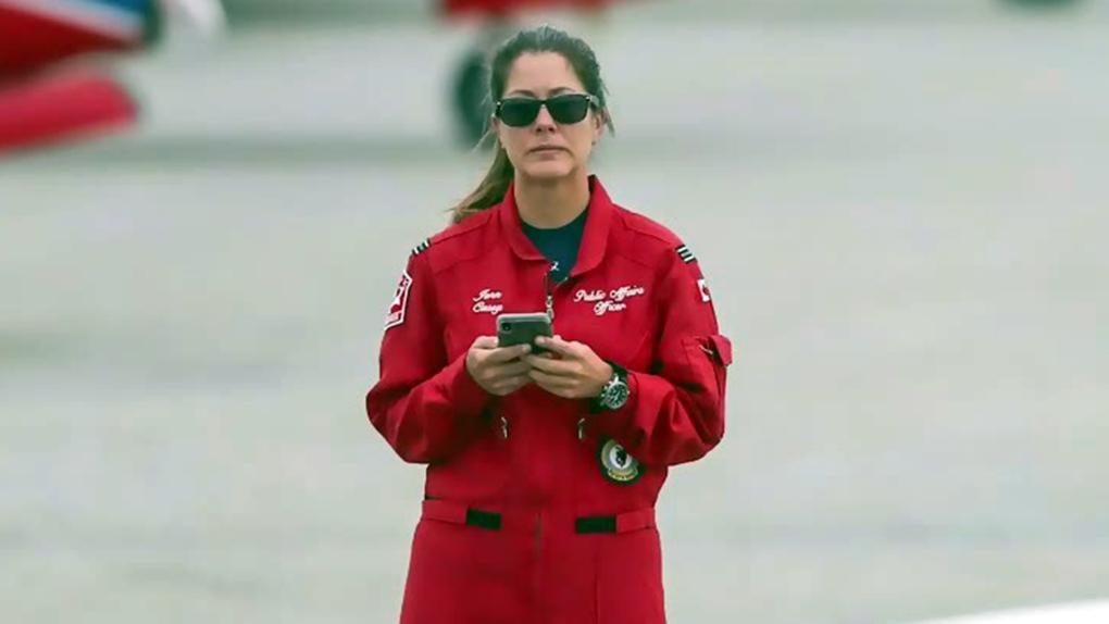 مراسم بزرگداشت برای خلبان کانادائی که در جریان مانور هوائی جان باخت