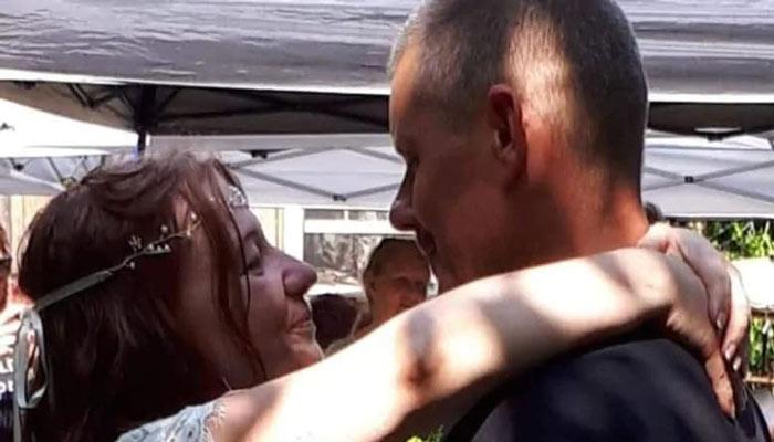 تازه عروس و داماد ۵۰ ساله به خاطر بسته شدن مرز از هم جدا افتادهاند