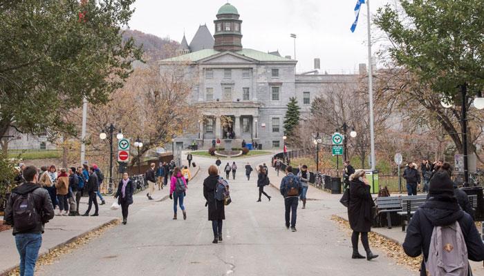 برخی از دانشگاههای کانادا، کلاسهای پاییز را آنلاین ارائه میکنند