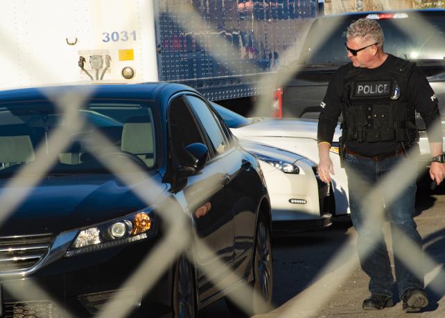 افسر پلیس تورنتو بیسیم پلیس را در اختیار کامیونهای یدک کش گذاشته بود