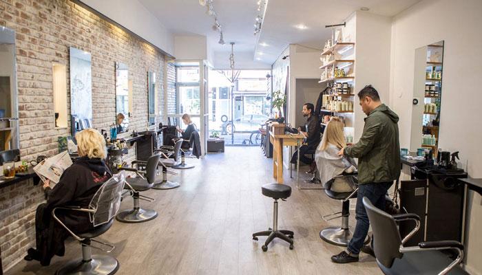 سالنهای آرایش در تورنتو به زودی میتوانند فعالیت خود را از سر بگیرند