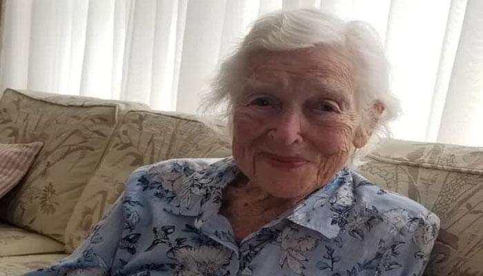 مادربزرگ ۹۵ ساله در تورنتو، کرونا را شکست داد