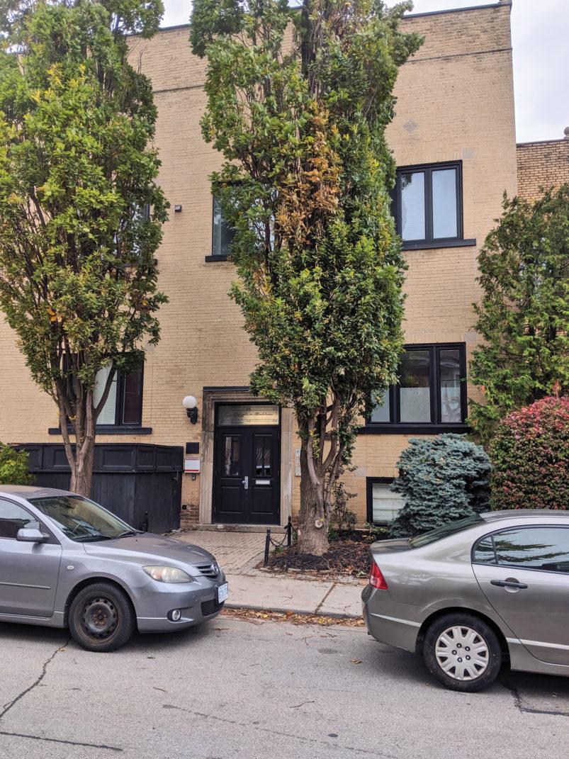 الکساندرا این خانه را در ماکهام با قیمت یک میلیون دلار خرید