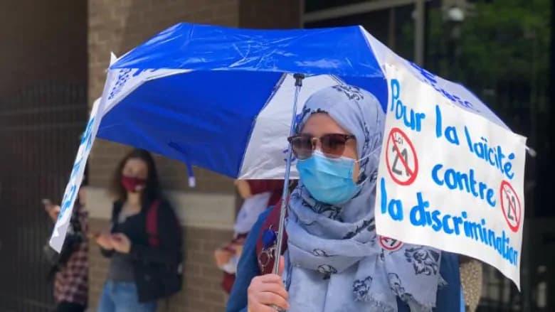 تجمع معترضان در سالگرد تصویب قانون ممنوعیت نمادهای مذهبی در کبک