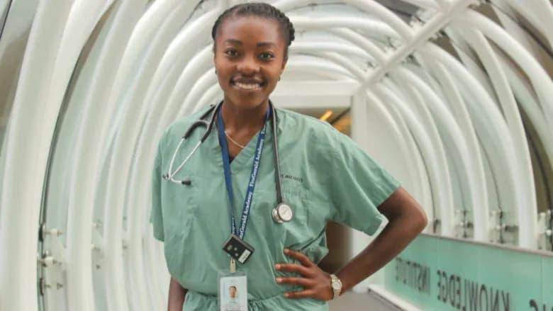 برای نخستین بار در دانشگاه تورنتو، یک زن سیاهپوست خطابه فارغالتحصیلی رشته پزشکی را میخواند