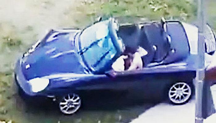 راننده پورشه آبی در ریچموندهیل پس از تصادف از صحنه گریخت
