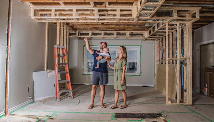 این زوج جوان در دوران پاندمی هم بچهدار شدند، هم توانستند خانه بخرند