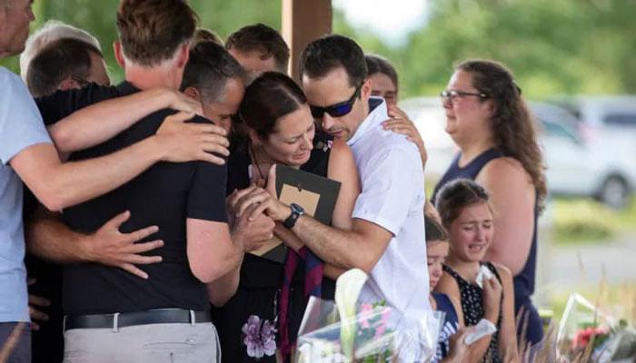 Photo of جستجو برای یافتن پدر کبکی ادامه دارد؛ مادر دختران از مردم تشکر کرد