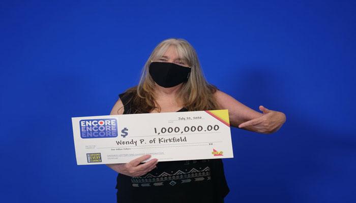 یک میلیون دلار جایزه برای خانم ۶۱ ساله در انتاریو