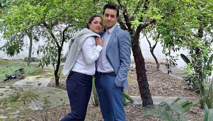 Photo of رابعه در کانادا و فرید در ایران؛ این زوج نمیدانند کی دوباره به هم میرسند