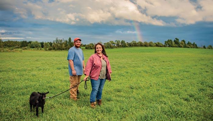چطور یک قرار عاشقانه ۳ روزه به یک زندگی دائمی در مزرعه تبدیل شد