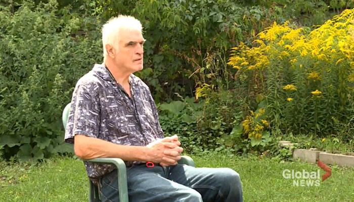 مرد ۷۰ ساله در آستانه بیخانمانی: من میتوانم در خیابان بخوابم، اما گربههایم نیاز به خانه دارند