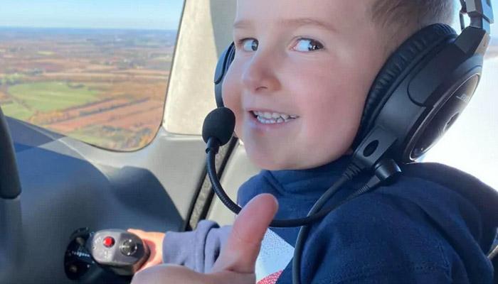 پرواز اختصاصی؛ آرزوی یک کودک ۴ ساله پیش از چهارمین عمل جراحی قلب برآورده شد